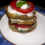 Fried zucchini with mayo-dill sauce and tomato